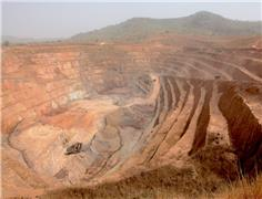 Fifteen killed in landslide at Guinea gold mine