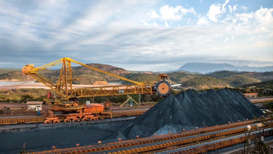 Vale partially halts work at second-largest iron ore mine
