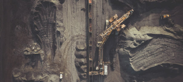 Pitt pushes inquiry into coal investment