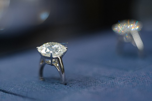 De Beers` third diamond sales cycle nets $440m